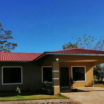 Casa en Venta o Alquiler Los Algarrobos.