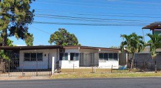 Amplia Casa en Venta o Alquiler Avenida Francisco Clarck.