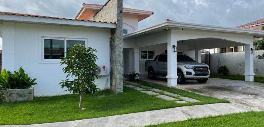 Se Vende o Alquila Hermosa Residencia Ubicada en La Urbanizacion Coquito Hills