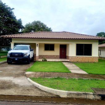 Hermosa Resiedencia en Alquiler Doral Villas Los Algarrobos