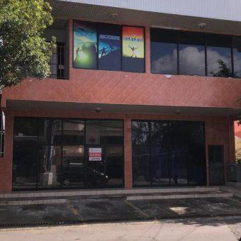 Local en Alquiler Entre Calle 3ra y Calle 4ta