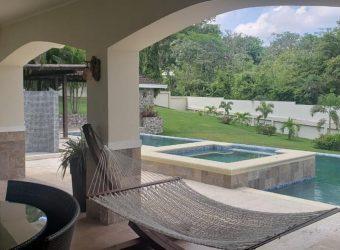 Hermosa Residencia en Venta, San Antonio David – Chiriqui